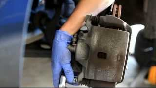 2003-2007 Honda Accord Front Brakes remove and install rotors and pads