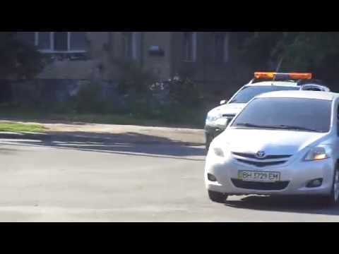 *2x FRONTLIGHTS* Renault Duster private security service responding with amber lights