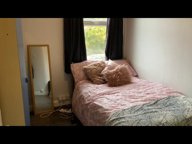 Double room in student house  Main Photo