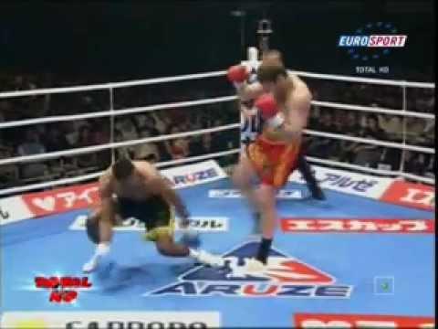 אגרוף תאילנדי מול אגרוף