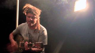 "Ash Grunwald ""Road Dog Diaries"" Cairns Backstage Jam"