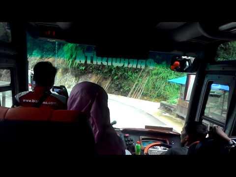 Mengelilingi kelok 9 bersama bus ARDIFA