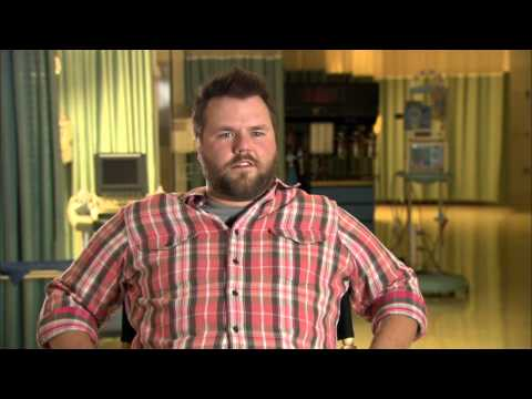 Tyler Labine's Official 'Animal Practice' Premiere Interview - YouTube