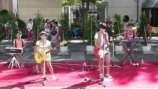 小学生4人のガールズバンド Cloudy Star☆ です。 JUDY AND MARY のカバ...