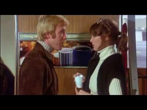 Chuck Norris in Love dans Le Commando des tigres noirs Good Guys Wear Black  1978
