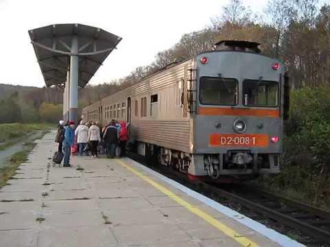 Сахалин, станция Новодеревенская: прибытие пригородного поезда