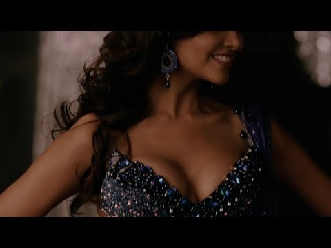 Hottest Cleavages Of Bollywood Actress (Part 2) | Hot 13