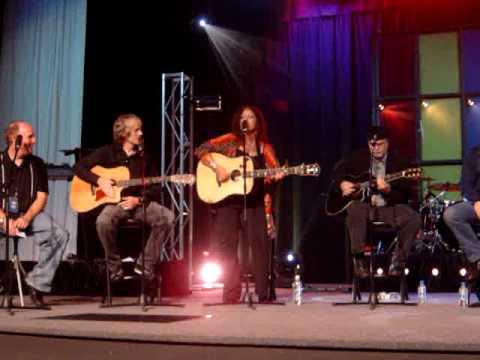 Fishing in the Dark - Performed by songwriter Wendy Waldman (Best of US in Oz Workshop 2008)