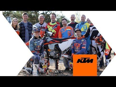Jonny Walker and Taddy Blazusiak sharing some Enduro tricks   KTM