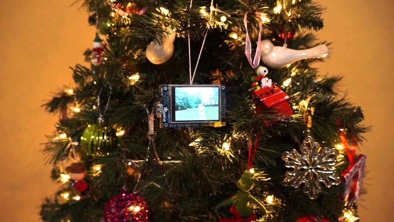 12 Raspberry Pi Christmas Projects You Can Make in a Day