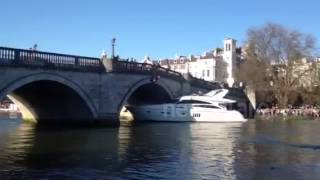 Luxury Yacht collides with Richmond bridge