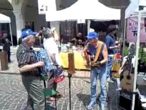 Improvvisazione 2 al mercatino musicale di Carpenedolo.3gp