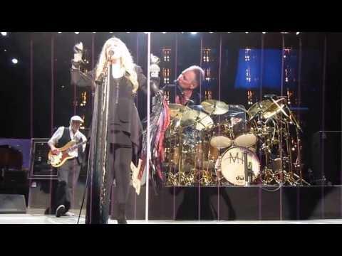 "Fleetwood Mac ""Don't Stop "" O2 World Berlin 16.10.2013"