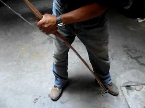 Como poner la cuerda a un arco tradicional longbow youtube - Como colocar las cuerdas de un estor ...