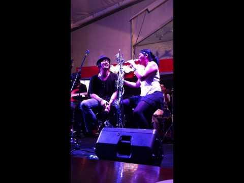 Dia Sahabat - Melanie Subono feat. Anda (RollingStone Cafe Jkt)