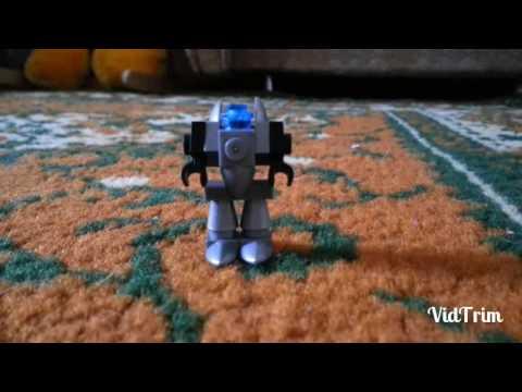 Как сделать маленького робота из лего фото 676