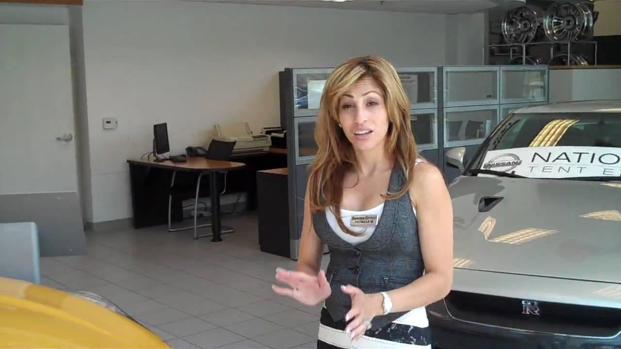 Universal City Nissan 370Z Walk Around With Patty - YouTube
