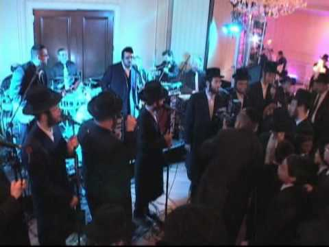 Dancing to the Simcha Beat: Lipa & Shira