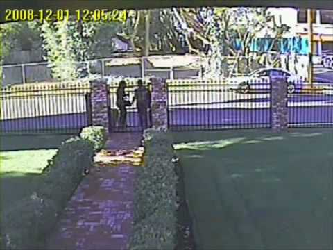 Girls Steal Package from Tarzana Doorstep