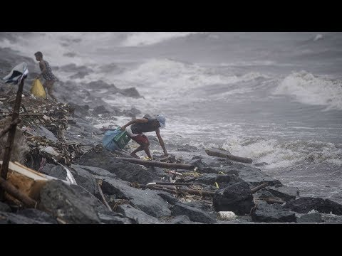Thousands evacuated as Typhoon Yutu strikes Philippines