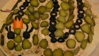 Салат с горбушей, картофелем и плавленым сыром