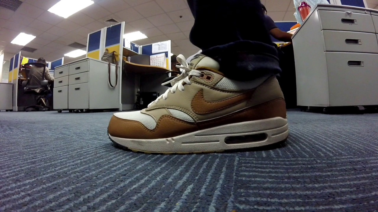 cheaper 57f45 02c7a On Feet Nike Air Max 1 Essentials