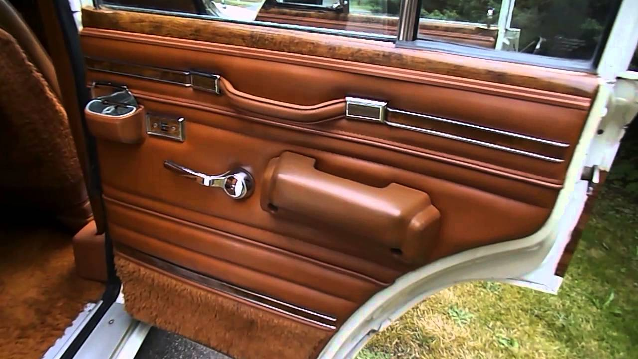Jeep Grand Wagoneer >> 1982 Jeep Wagoneer Look Inside - YouTube