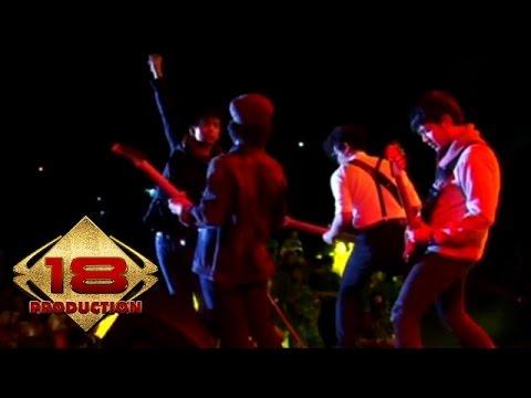 d'Masiv - Menyegarkan (Live Konser Tanggerang 29 Januari 2014)