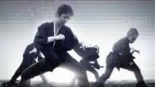 ダンスカンパニー躍動に所属。 女性パフォーマンスグループ「yakudo風雅...