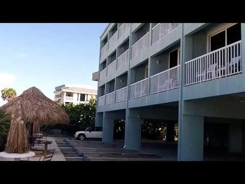 Barefoot Beach Hotel - Madeira Beach