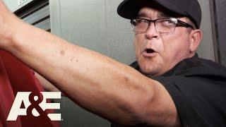 Storage Wars: Dave Wins the Bidding War (Season 10)   A&E