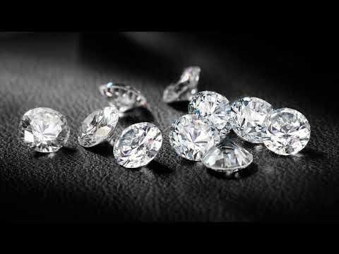 Вопрос: Как чистить бриллиантовые серьги?