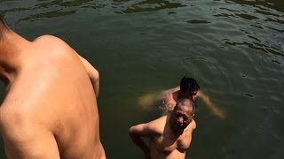 Chinese skinny-dippers defy public morals on nudity
