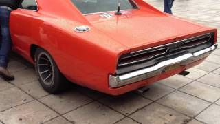 Dodge Charger 1969 440 R/T General Lee Revving at Athens,Greece