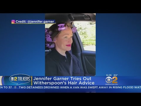 Jennifer Garner Tries Out Reese Witherspoon's Hot Hair Tips