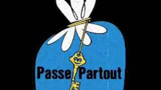 PASSE-PARTOUT Laisser sa trace METAL