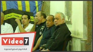 بالفيديو.. أشرف زكى وأحمد صيام أول الحاضرين بعزاء الراحل حمدى السخاوى