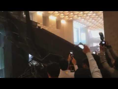شاهد لحظة انهيار الطابق في مقر بورصة جكارتا والهلع الذي اصاب المتواجدين  - نشر قبل 2 ساعة