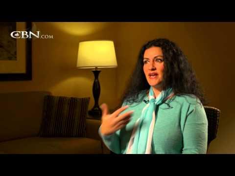 Jewish Woman Proclaims Truth of Christ