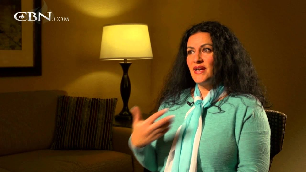 Jewish Woman Proclaims Truth of Christ