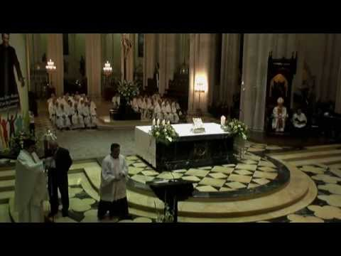 Celebración eucarística del Bicentenario del nacimiento de Don Bosco en La Almudena (Madrid)