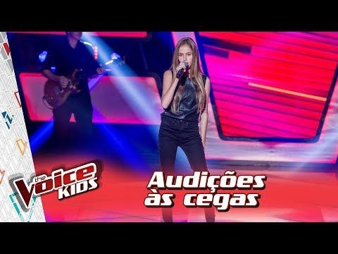 Amanda Carregaro canta 'Muito Pouco' na Audição – 'The Voice Kids Brasil' | 3ª Temporada