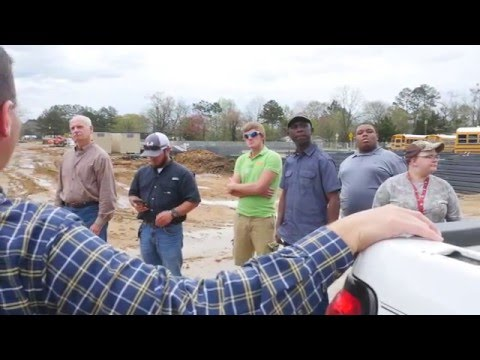 Civil Engineering Students Visit Construction Site