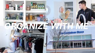 vlog: organize my pantry & closet with me