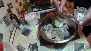 Щука в сметано-чесночном соусе и запеченный картофель