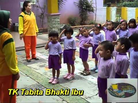 kegiatan baris - berbaris TK Tabita Bhakti Ibu