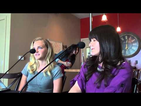 Roundtable  with Madeleine Brewer and Madeleine Martin for Hemlock Grove