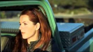 Watch Neko Case Porchlight video