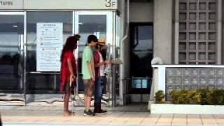 那覇空港で、ISSAが謎の撮影(笑)