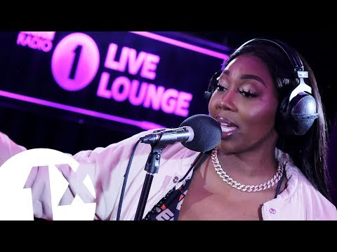 """Ms Banks """"Bad B Bop"""" And Lil' Kim Cover 'No Matter What They Say' In The BBC 1Xtra Live Lounge"""